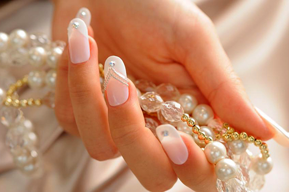 свадебный маникюр 2018, модная форма ногтей 3