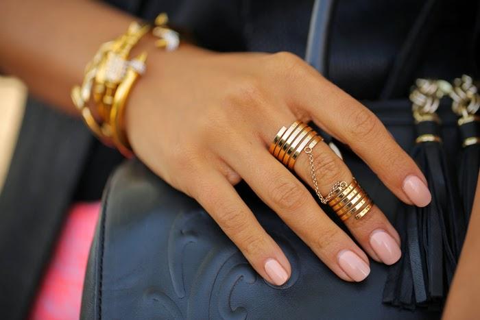 кольца без камней 1