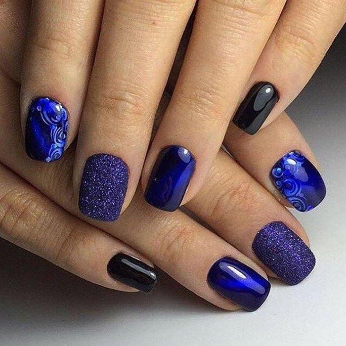 Синий маникюр на коротких ногтях на новый год