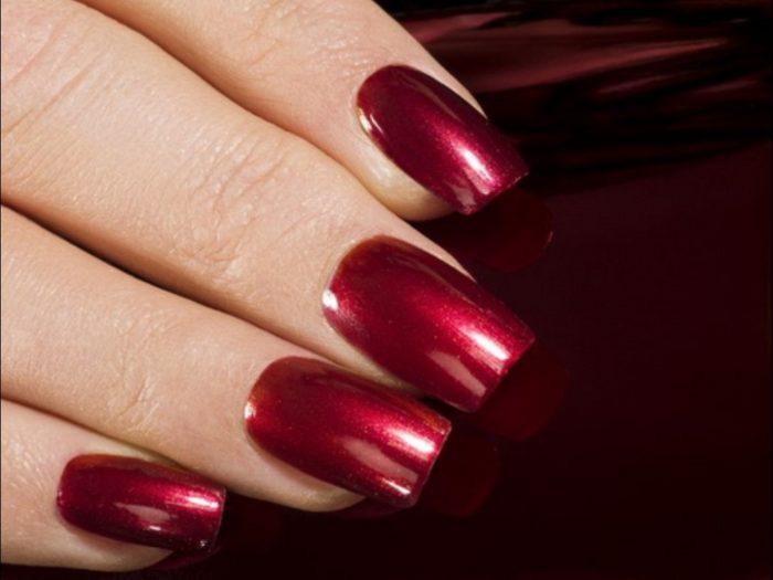 Красный матовый дизайн ногтей 2018