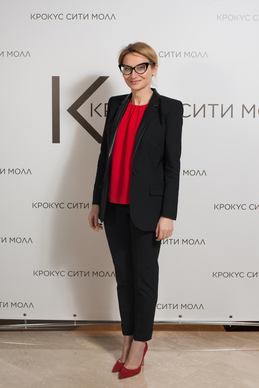 bazovyj-garderob-dlja-devushki-zhenshhiny-ot-Jeveliny Hromchenko-15