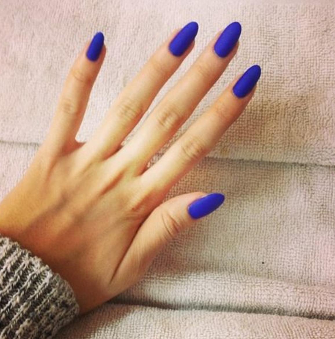 Фото дизайн острые синие ногти