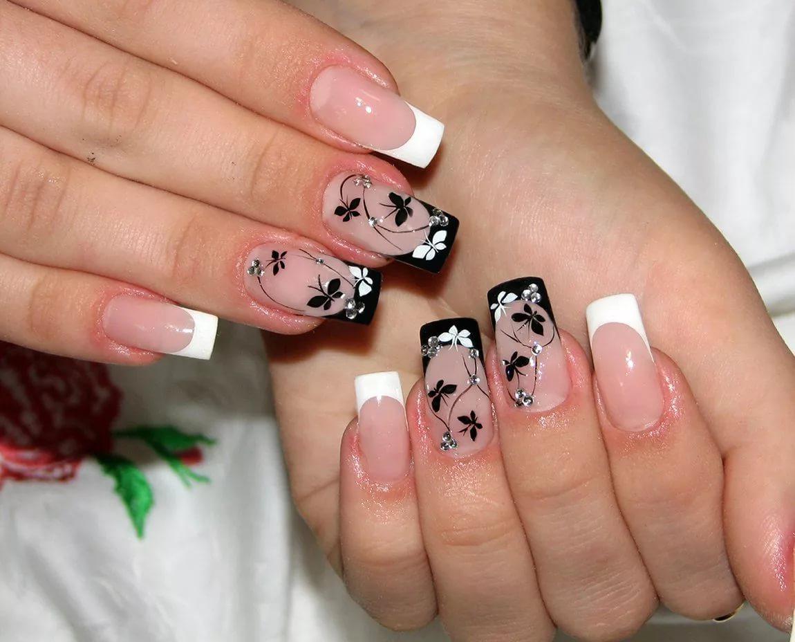 Дизайн ногтей с френчем белым