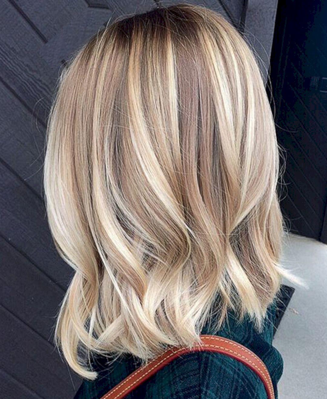 Модное окрашивание 2018 на светлые волосы фото