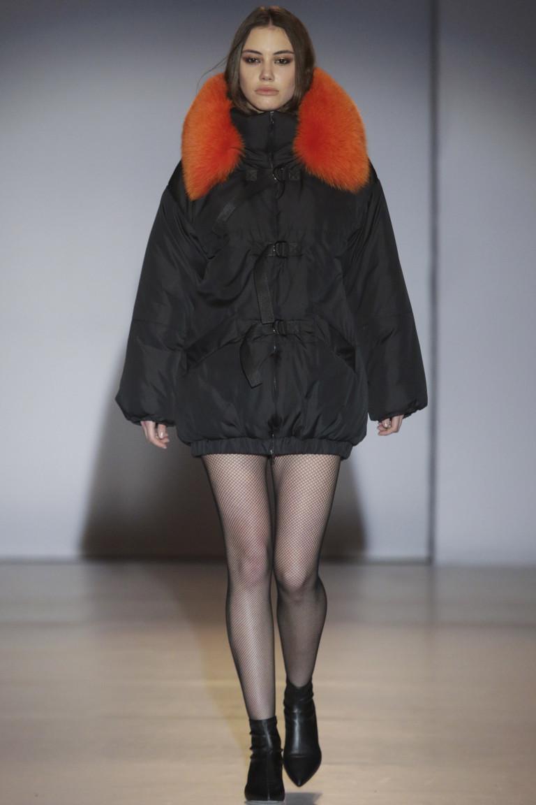 modnye-trendy-zhenskih-kurtok-osen'-zima-19