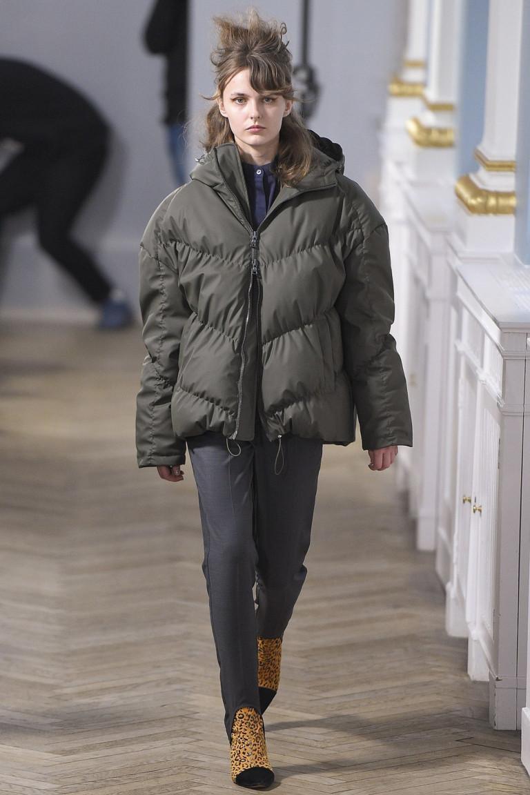 modnye-trendy-zhenskih-kurtok-osen'-zima-29