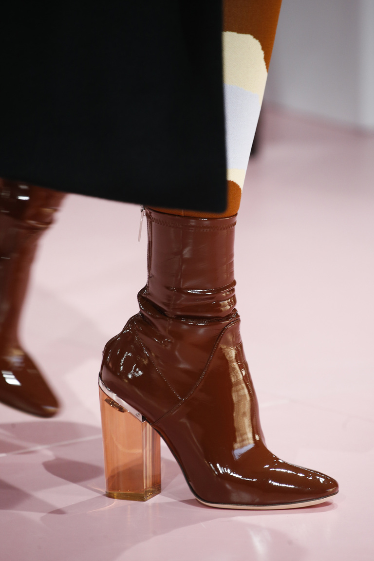 novinki-modnoj-zimnej-zhenskoj-obuvi-20